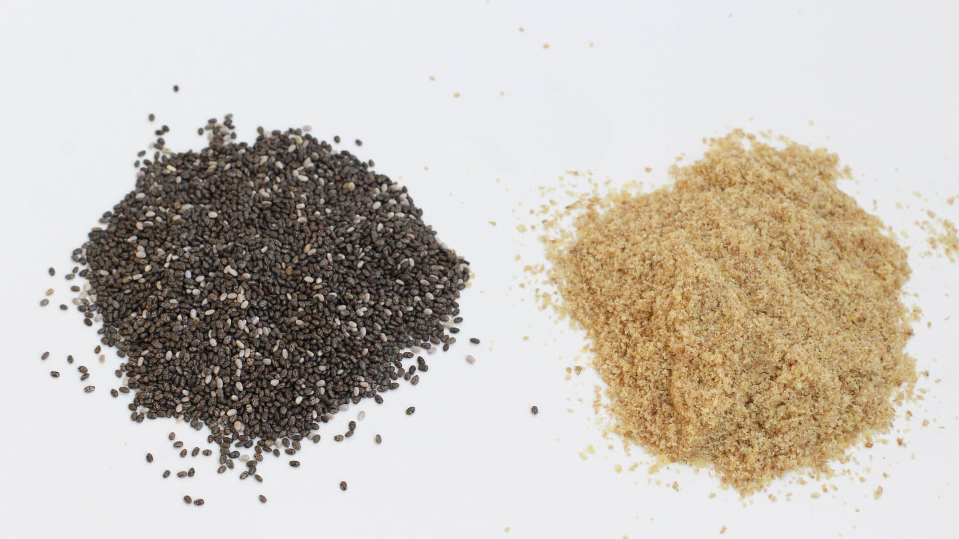 Which are better: Chia Seeds or Flax Seeds?