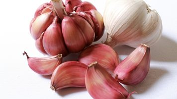 Best Food for Lead Poisoning - Garlic