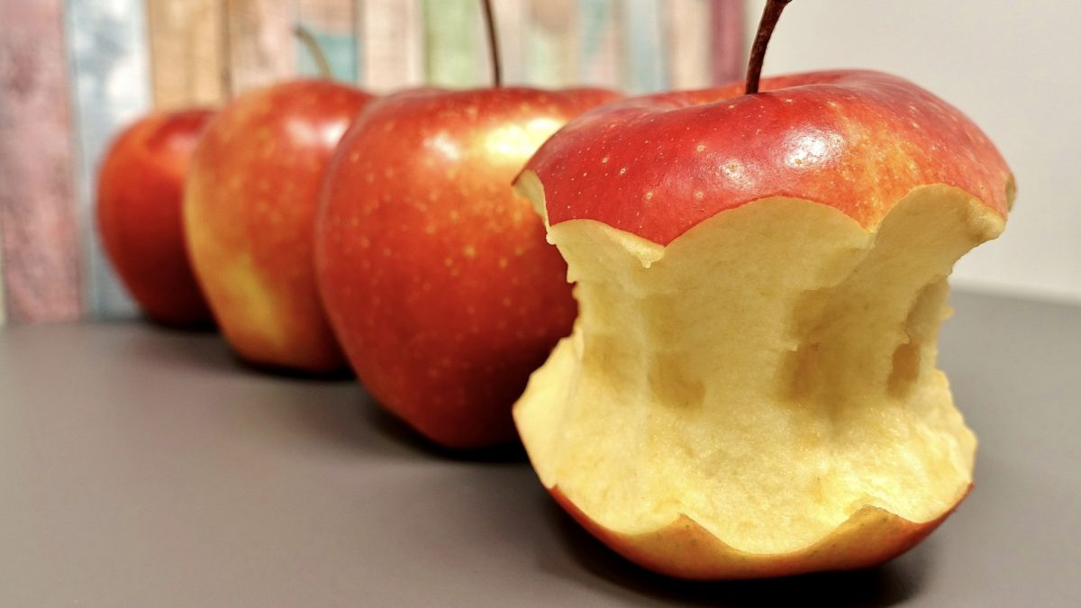 For Flavonoid Benefits, Don't Peel Apples