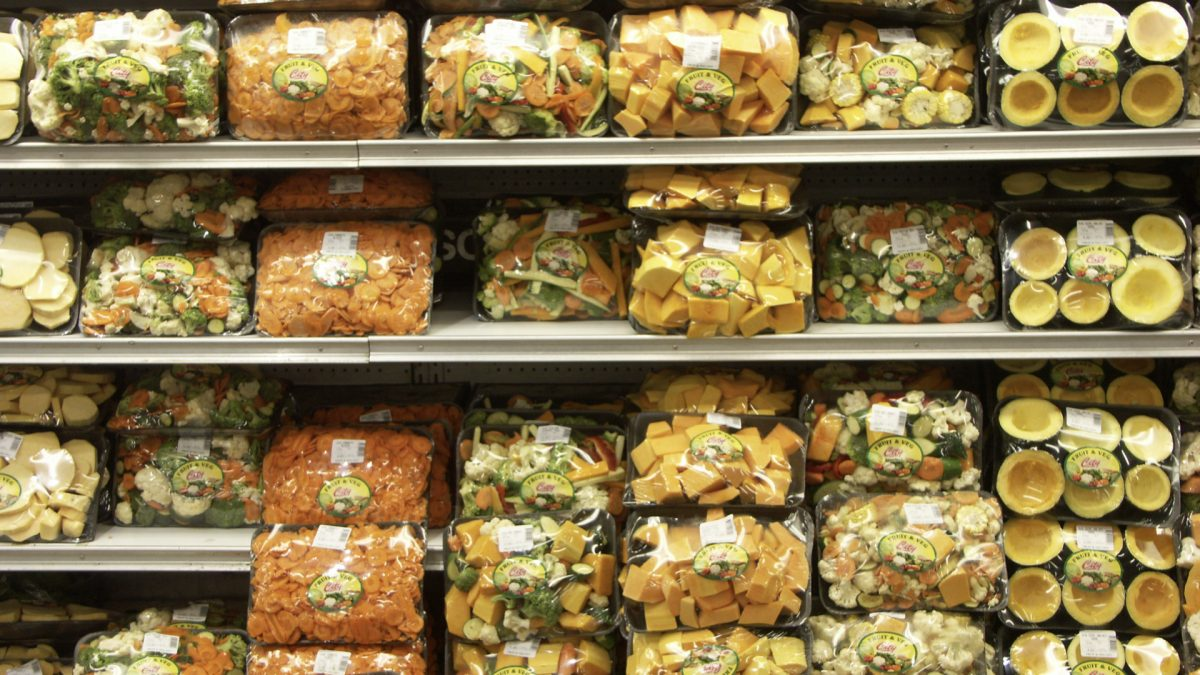Are Pre-Cut Vegetables Just as Healthy?