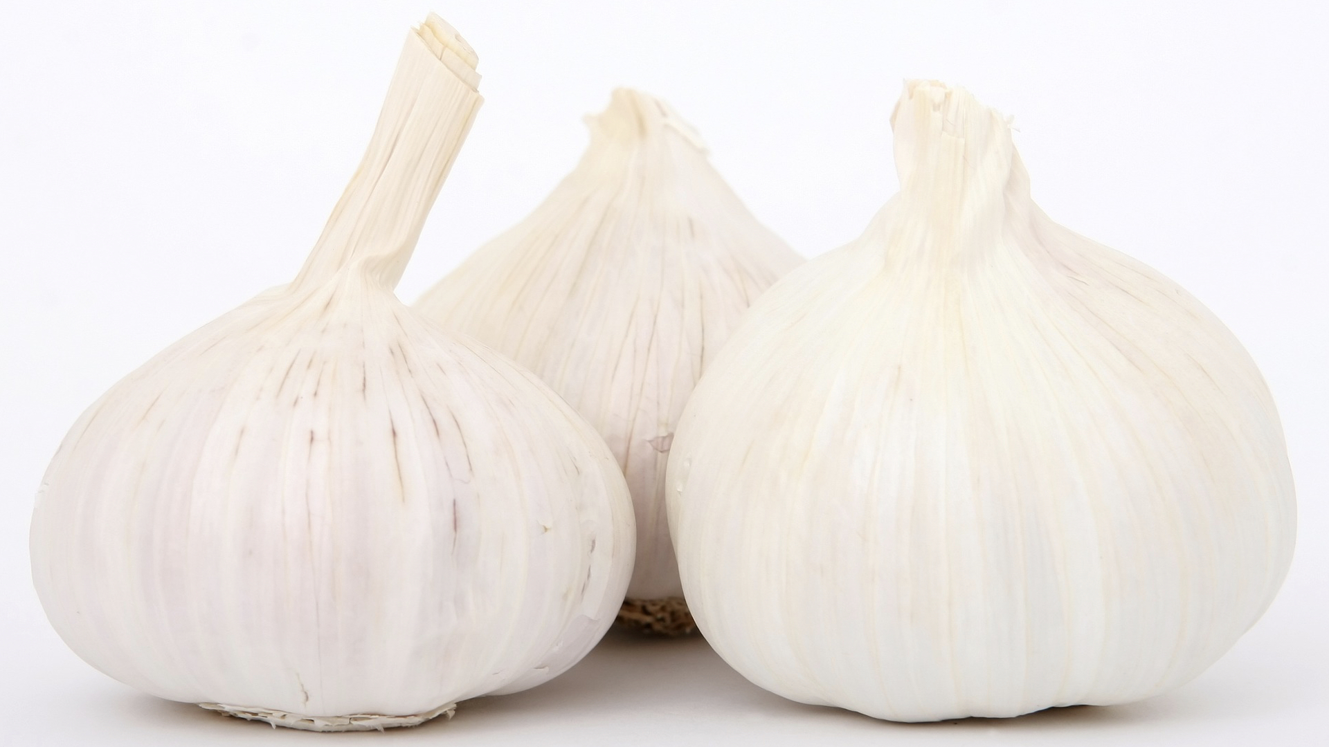 Benefits of Garlic for Fighting Cancer and the Common Cold