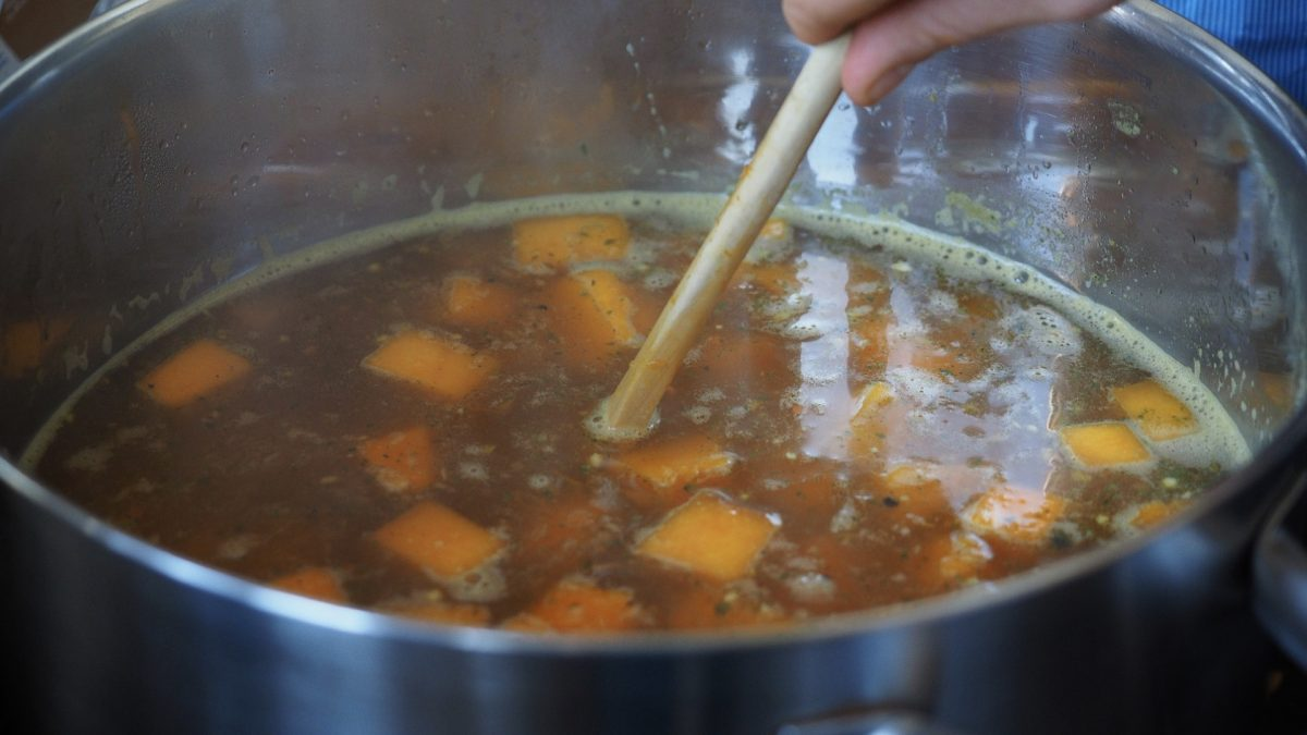 How Much Lead Leaches Into Organic Chicken Bone Broth? | NutritionFacts.org