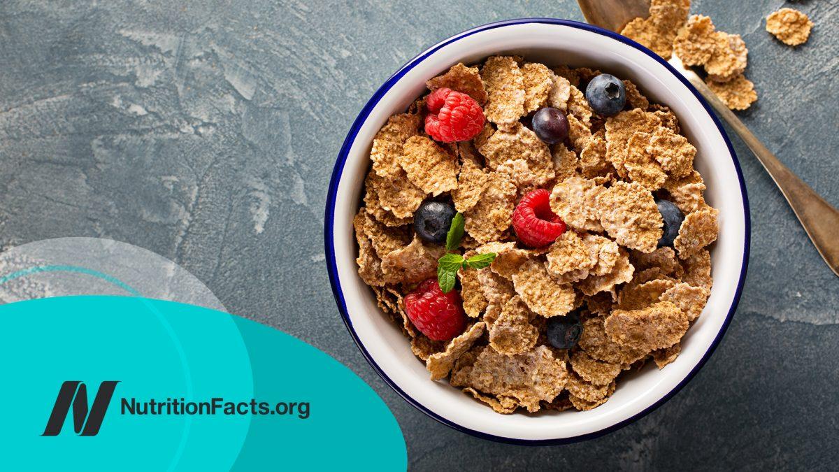 Multigrain cereals with fresh berry